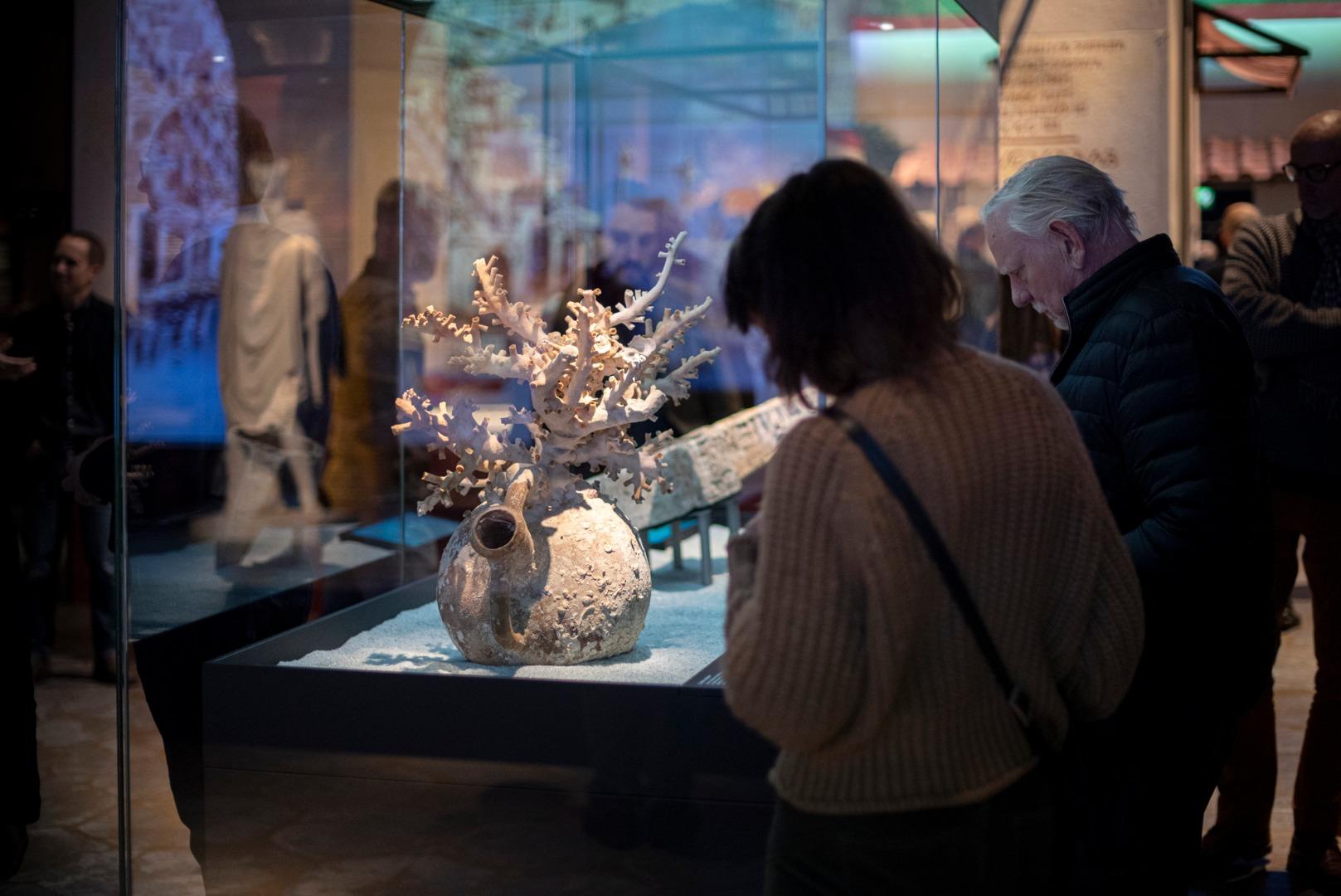 Moesgaard Museum har lånt genstande fra syv forskellige italienske museer, så de kan dele det med de danskere, der besøger museet frem til den 10. maj. Foto: Moesgaard Museum.